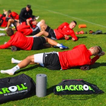 Piłkarze Górnika Zabrze regenerują się z BLACKROLL®